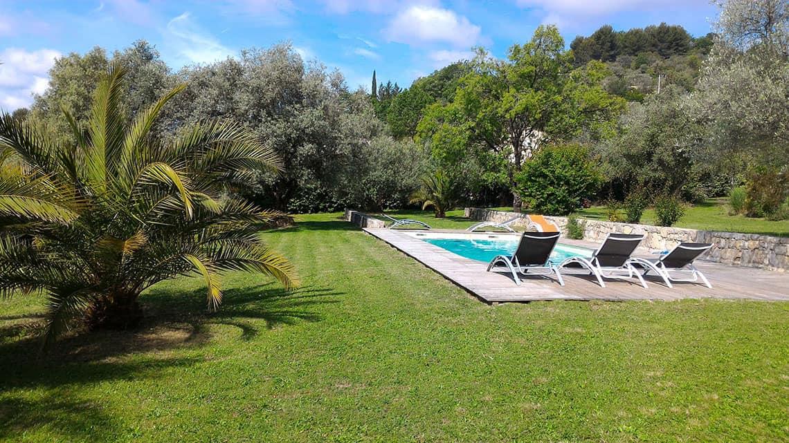 Piscine de l'Escale Provençale pour des moments de relax