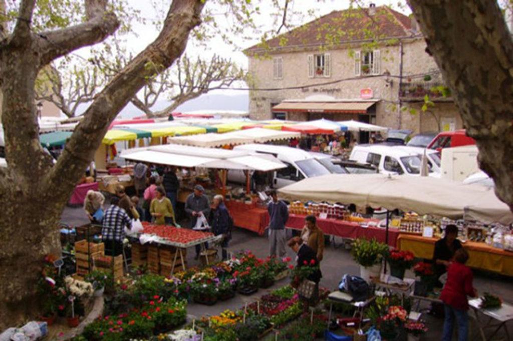 Fayence Market Place