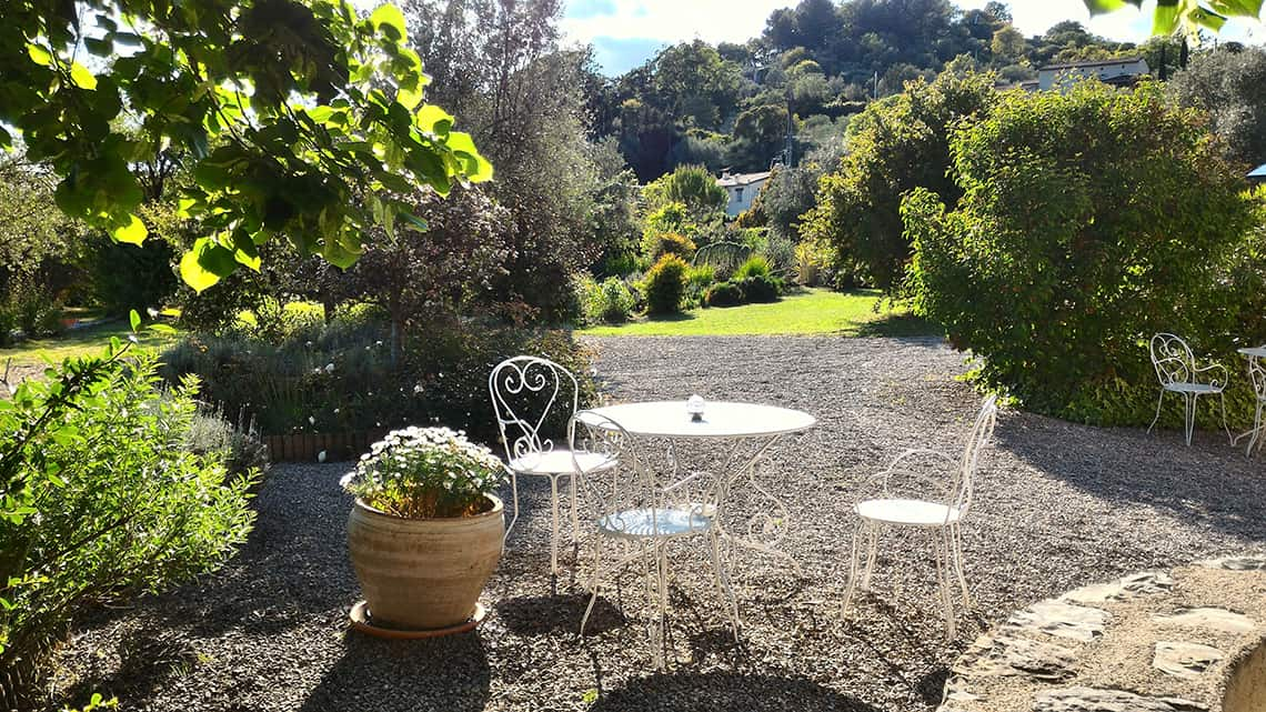 Salon de jardin à l'Escale Provençale