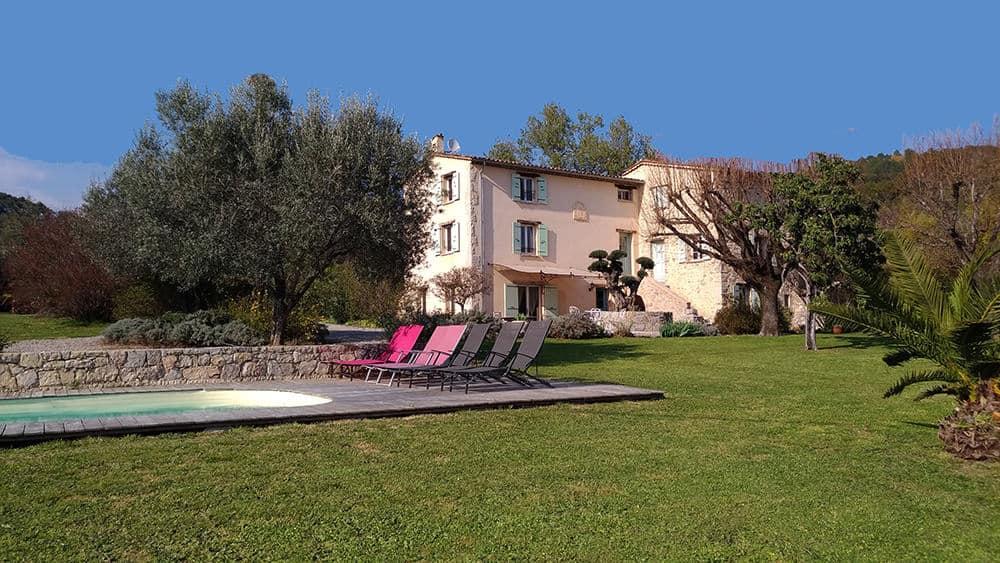Chambres d'hôtes avec Piscine à Tourrettes dans le Var : L'Escale Provençale en 2021